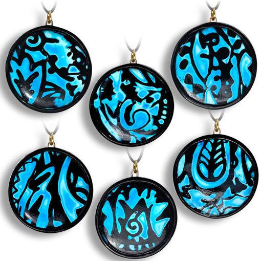 Smykke med sort & blå mønster, håndlaget -28020694