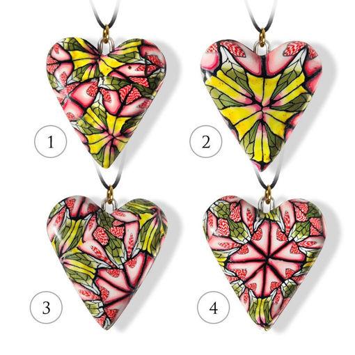 Håndlaget hjertesmykke Hidden Magic, flerfarget mønster 24x28 mm - 28020734